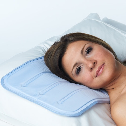 Coolerest Sleep Pad (Small / Pillow)     A comfortable gel core provides a heat-absorbing, virtually instant cooling effect to lower your body temperature and help you fall asleep quickly.