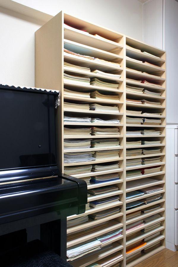 横浜市緑区長津田でバイオリン教室(http://vn-lesson.jimdo.com/)をされている北見なつ江さんの教室で楽譜棚としてPianoシリーズ「A3書類棚」をお使いいただきました。