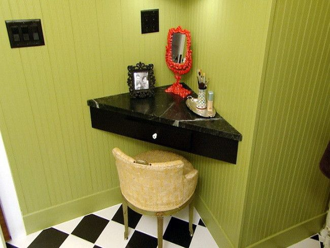 So smart!! Make a corner area for makeup/getting ready