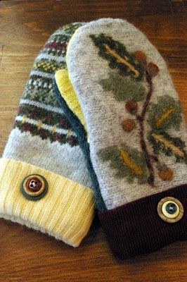 Mackinac Mittens: for sale.  I love the idea though and think I could fashion some for myself.