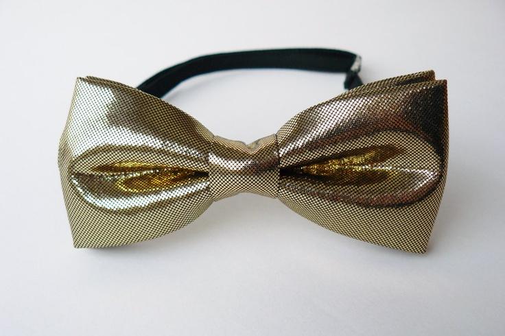 Shiny gold bow tie for men by Bartek Design. €21.50, via Etsy.