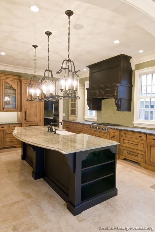 #Kitchen of the Day: Traditional Two-Tone Kitchens Gallery -
