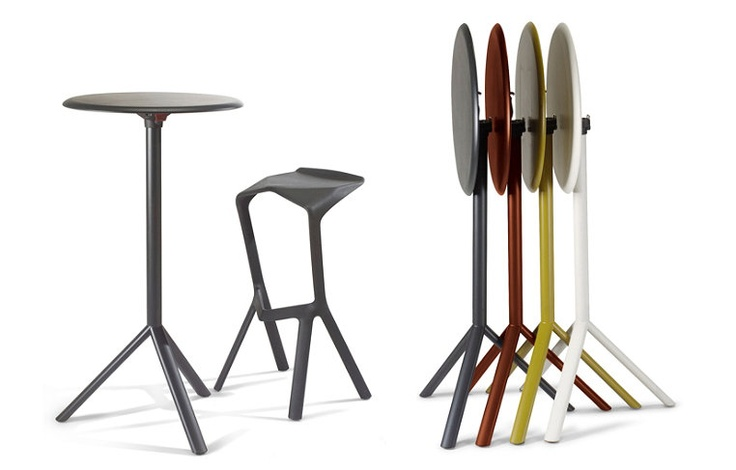 Miura krukken en sta-tafels voor outdoor van Plank, Konstantin Grcic Topdeq - KANTOORMEUBILAIR & ACCESSOIRES!