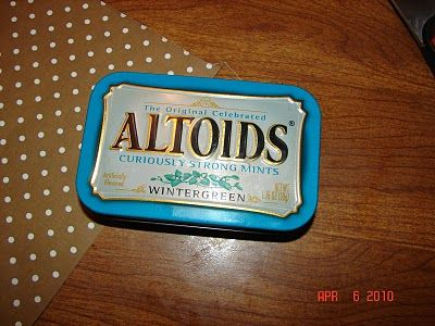 Altoids tins can hold anything . . .and look cute!: Crafts Ideas, Homemade Gifts, Fun Things, Curious Strong, Tins Crafts, Glue Guns Projects, As Strong, Altoids Tins, Tins Art