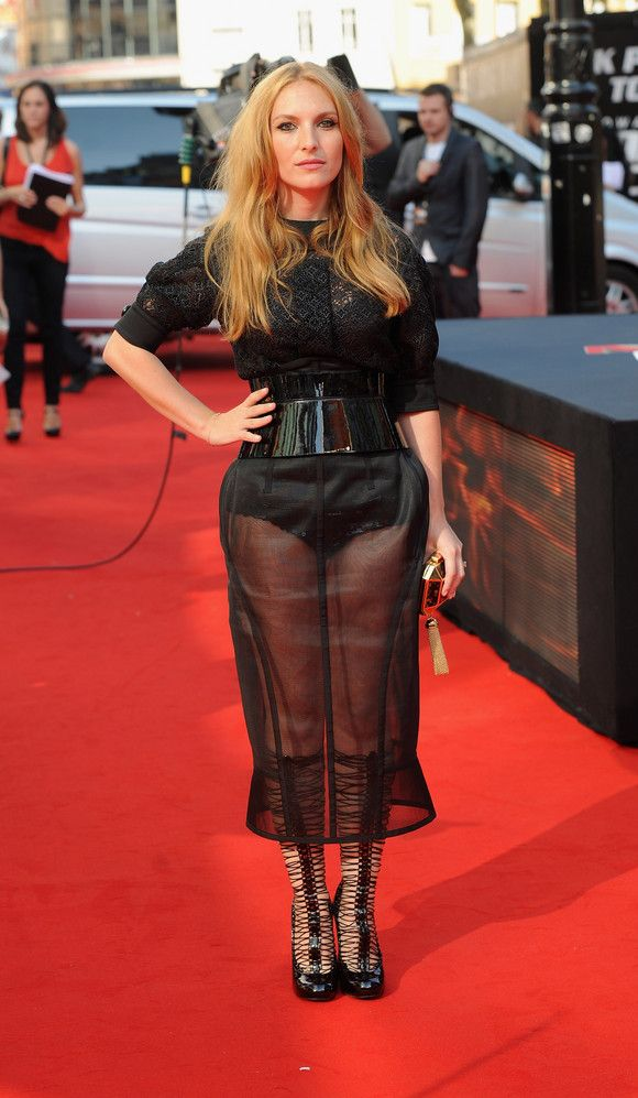 Josephine De La Baume at the 'Johnny English Reborn' UK Premiere in October 2011. See more of her chic style here: http://bit.ly/JqeCh3English Reborn, Premier Oct, Baume, October 2011, Johnny English, Chic Style, Oct 2011, Fashion Heroes, Style Profile