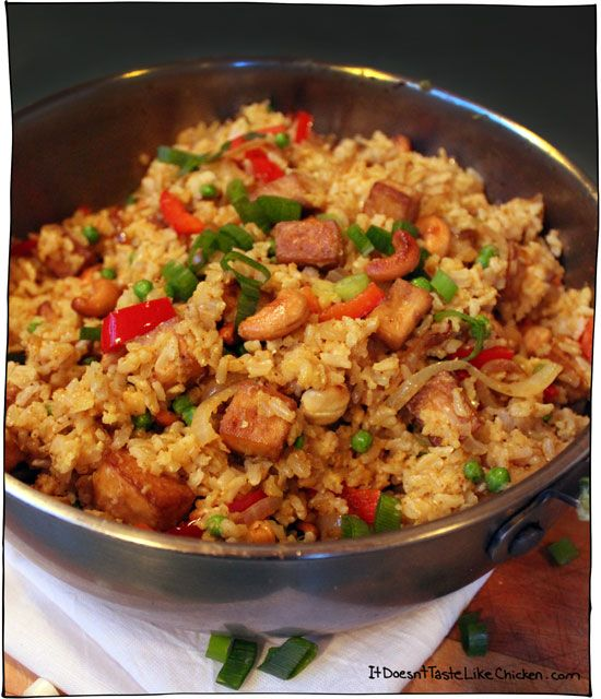 vegan-coconut-fried-rice-with-tofu-and-cashews