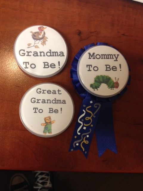 guest of honor buttons - mom to be, grandma to be and great grandma to be
