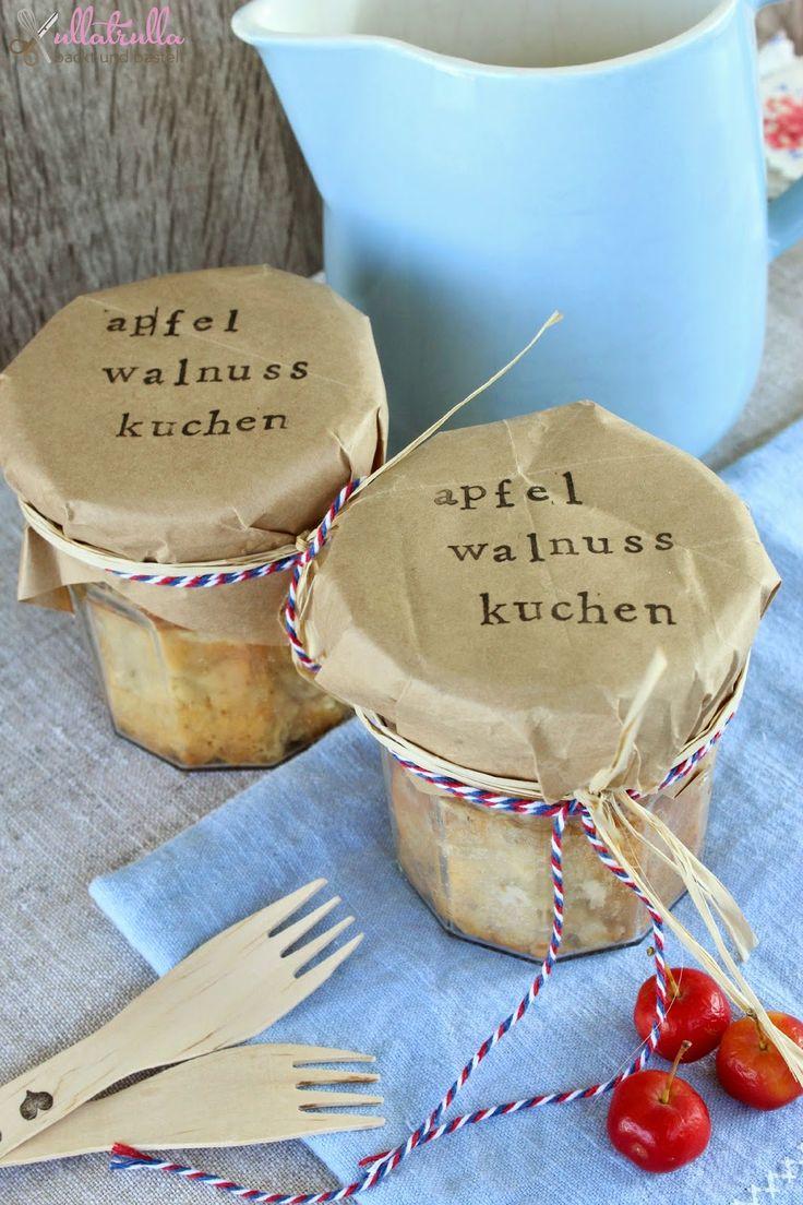 Geschenk aus der Küche | DIY für Apfel-Walnuss-Kuchen im Glas
