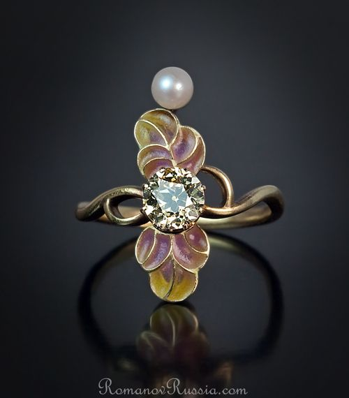 A Superb Art Nouveau Enamel Ring made in Moscow between 1908-1917  This very stylish Art Nouveau antique ring was made in Moscow between 1908 and 1917.