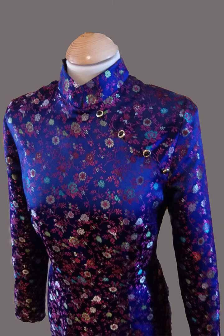Qipao. Vestido oriental Con diseño de rosarossa y un corte especial para clientas occidentales.