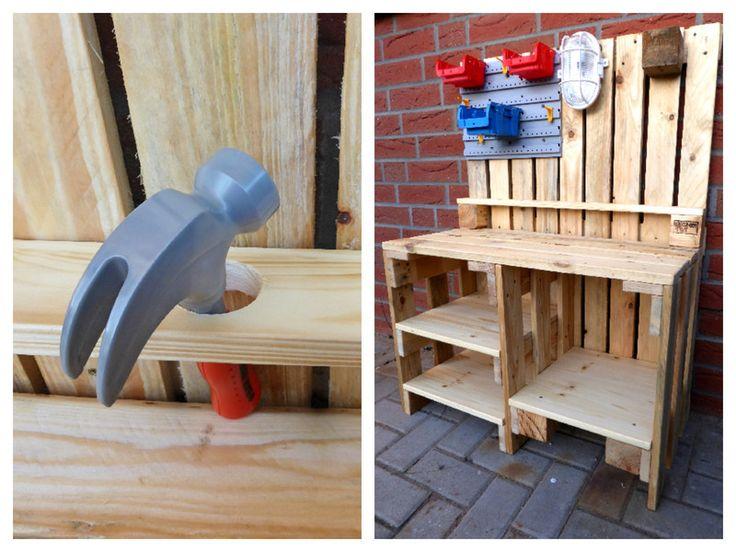 Holzspielzeug – Kinder Werkbank aus Paletten Holz – ein Designerstück von Palet…
