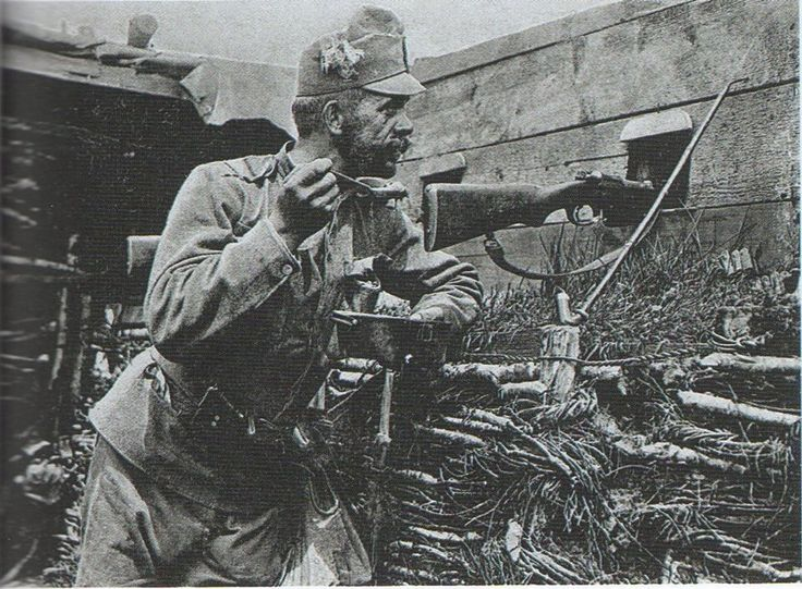 WWI; An elderly Austro-Hungarian soldier eats a meal while still manning his post. The rifle is an older Mannlicher Model 1888. -BeyondMilitaryHist. (@Beyond_Mil_His) | Twitter