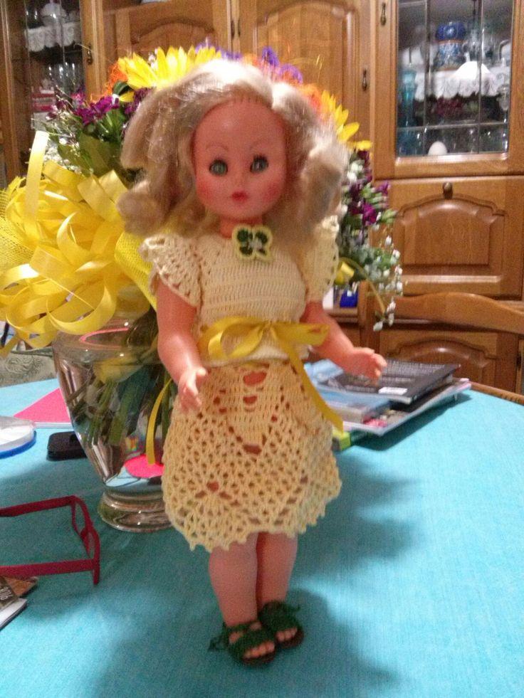 Bambola giallo