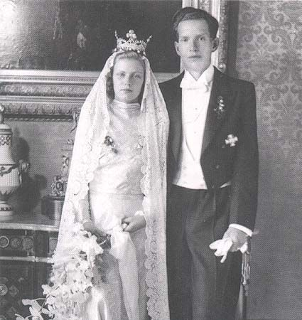 Konstantin, Prince of Bavaria, with his bride, Maria, Princess of Hohenzollern-Sigmaringen. When they wed on 26 Aril 1942, the bride wore a diamond coronet