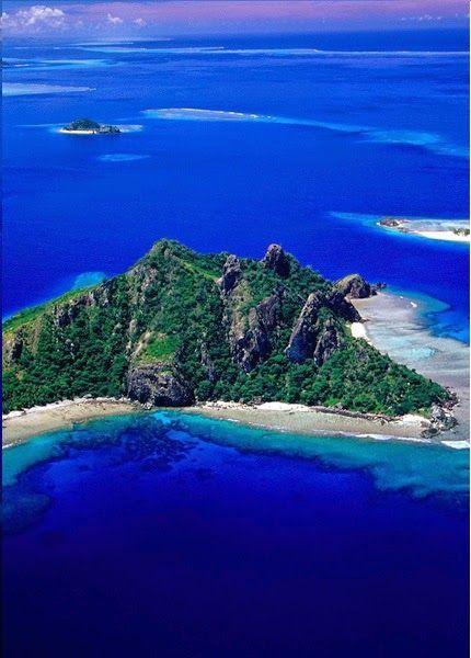 Monu Island, Fiji... Amazing blue water