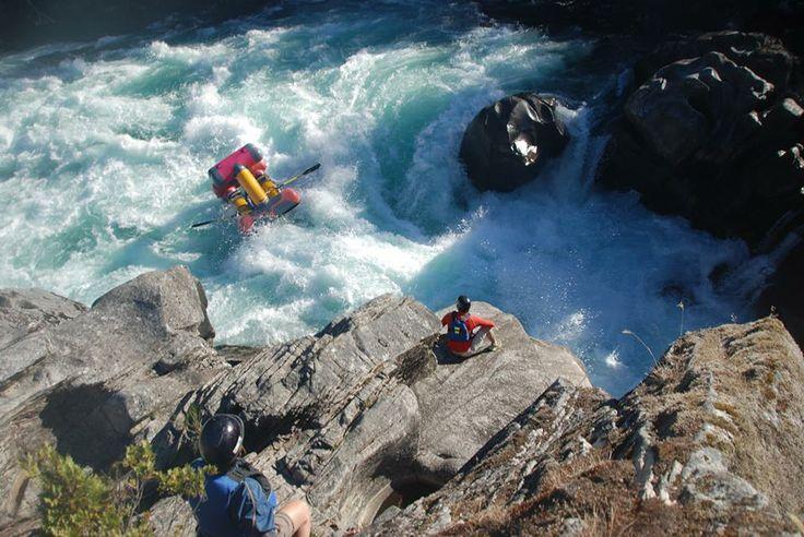 Creature Craft descends the Zeta Rapid on Chile's Futaleufu River   from Creature Craft https://www.facebook.com/CreatureCraft
