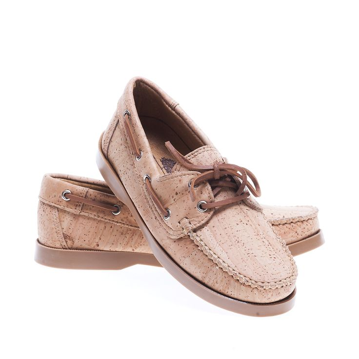 Shoe in Cork. 100% Eco-Friendly, produced in Portugal. Lightweight, practical and sturdy. Montado - Cork with Art.