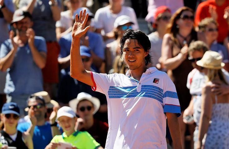 <全仏オープンテニス>(通称:ローランギャロス) 5月28日(日)からフレンチ・オープンが始まった。 グランドスラム大会は2週間にわたる大会。 他のグランドスラム大会は月曜日から始まるが、フレンチ・オープンだけはここ数年日曜日から始まっている。 1回戦は日、月、火の3日に振り分けられる。 男子はボトムハーフから始まっているので、トップハーフにいる錦織圭の試合は30日(火)になった。 錦織は1回戦で...