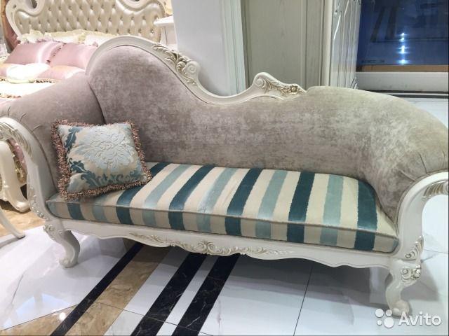 Винтажный диван в стиле барокко— фотография №1