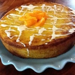 This is Nigella Lawson's Clementine Cake with Cutie mandarin oranges instead of the clementines. The Clementines disappear soon after the holiday season so I thought I would try a different type of mandarin orange. - Cutie Cake