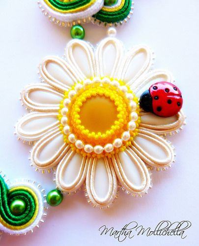 daisy soutache necklace handmade jewelry by Martha Mollichella soutache - Lacasinaditobia Lacasinaditobia