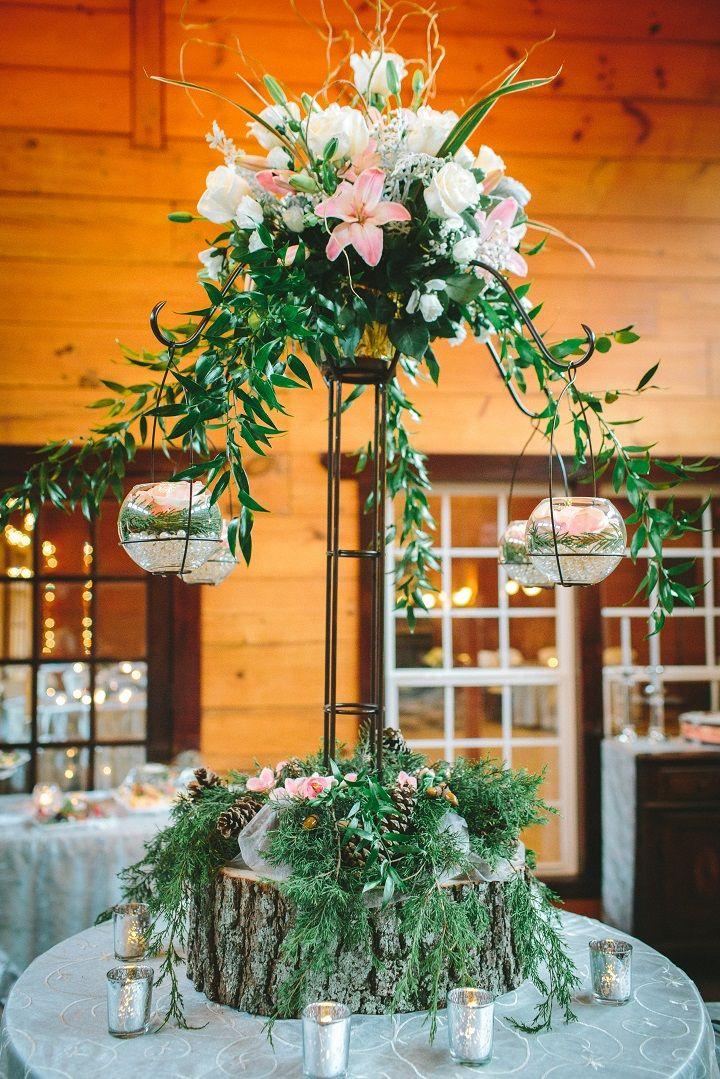 Tall wedding flower arrangement for Winter wedding | fabmood.com #winterwedding