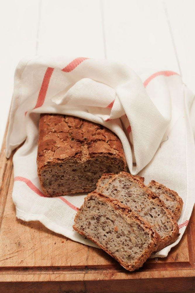 Dzisiaj chciałam się z Wami podzielić przepisem na bardzo dobry chleb bezglutenowy. Naprawdę jest bardzo dobry - a dla mnie nawet lepszy...