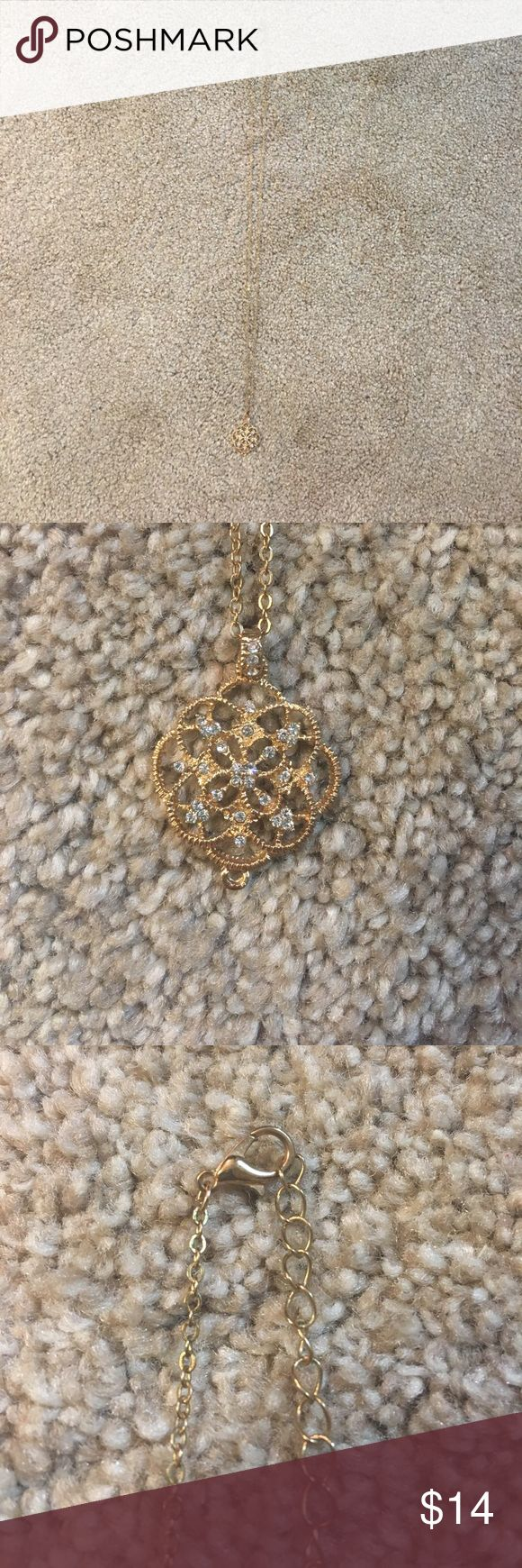 Long Gold necklace Excellent condition gold long chain necklace with pretty pendant at the bottom Jewelry Necklaces