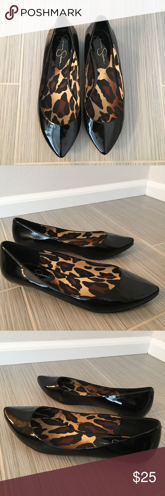 """Jessica Simpson flats Jessica Simpson flats in patent black with a pointed toe and fun cheetah lining. Perfect every day shoe! Leather Upper.Synthetic sole.Heel measures approximately 1/2"""" OFFERS WELCOME 😊 Jessica Simpson Shoes Flats & Loafers"""