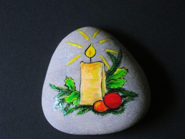Handbemalter Stein Zur Weihnachtlichen Dekoration. Besonders Gut Als  Dekoration Auf Dem Festlich Gedeckten Tisch.