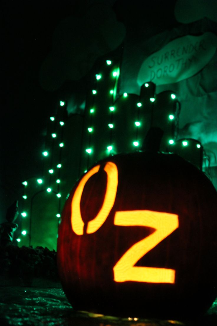 18 best wizard of oz images on Pinterest Halloween prop, Holidays - Wizard Of Oz Halloween Decorations