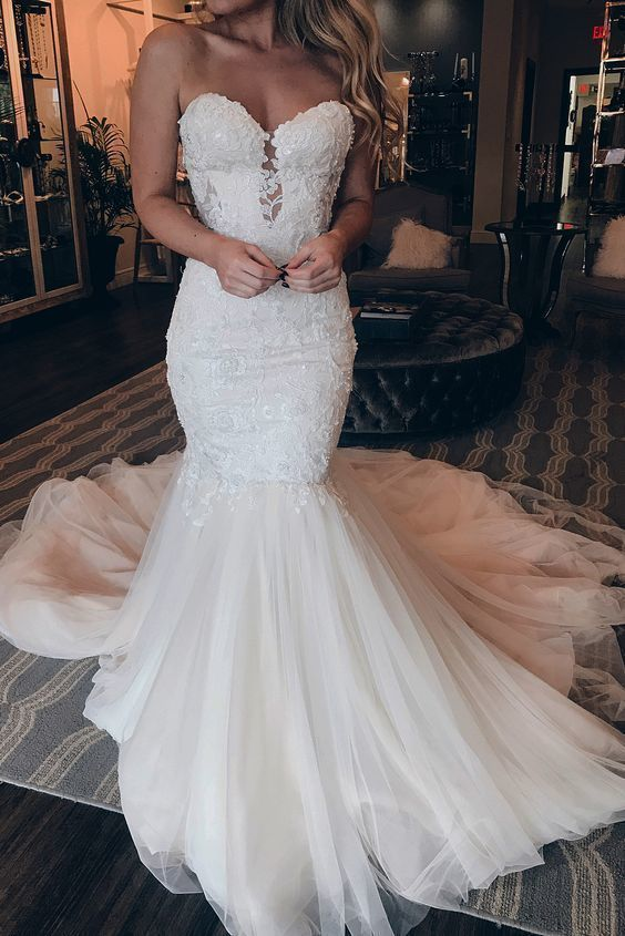 2019 Sweetheart neckline Tulle Mermaid Marriage ceremony Gown with Appliques, Horny Sleeveless Bridal Clothes