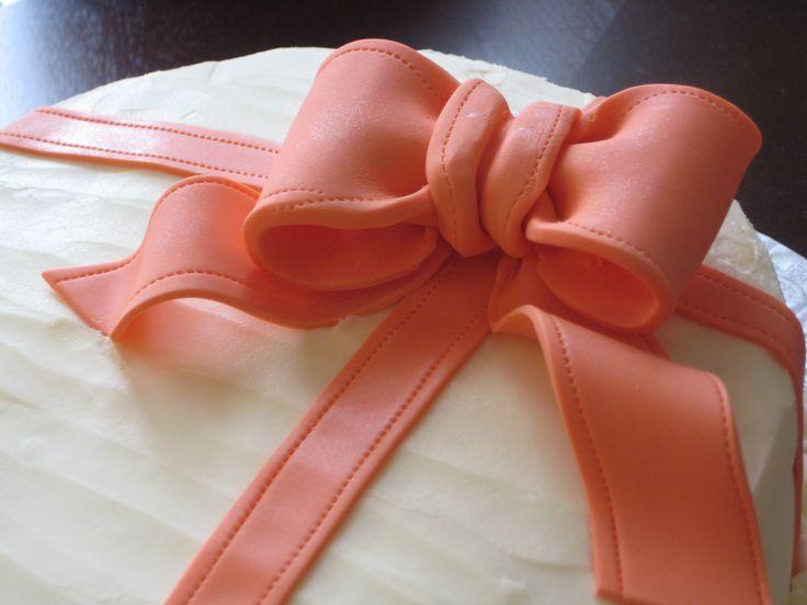 Fondant Bow - Cocoabai Cakes