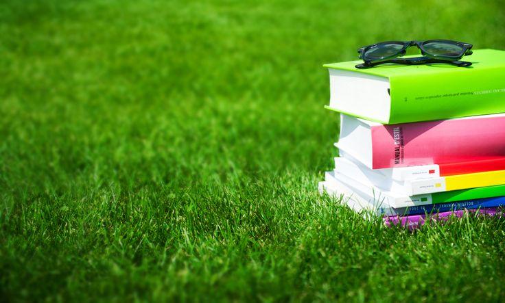 Un estiu per aprofitar! #UVic #UniversitatdeVic #universitatdestiu #estiu #llibres #campus