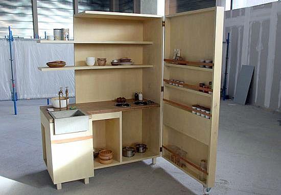 astudioarchitect.com  Sebuah dapur bisa besar, bisa juga sangat kecil terutama bagi Anda yang hidup di area rumah atau apartemen dengan l...
