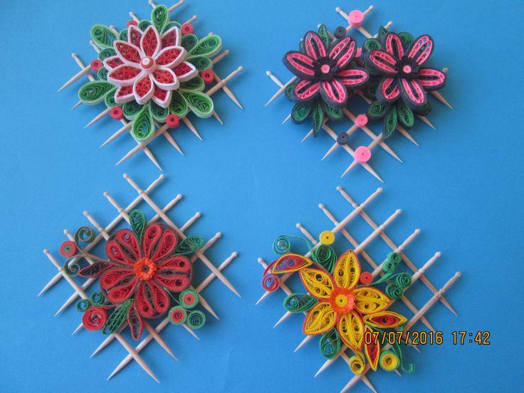 Fridge magnet with toothpicks