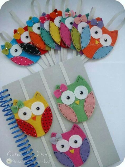 These sweet little, felt owls make lovely book marks or keep your book closed in your bag so the pages don't get dog-eared, but your book's on hand to read on the train! ~M x