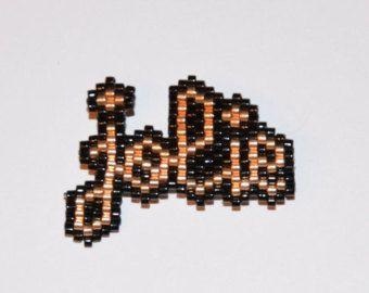 Broche heureuse perles miyuki par Makeristerie sur Etsy