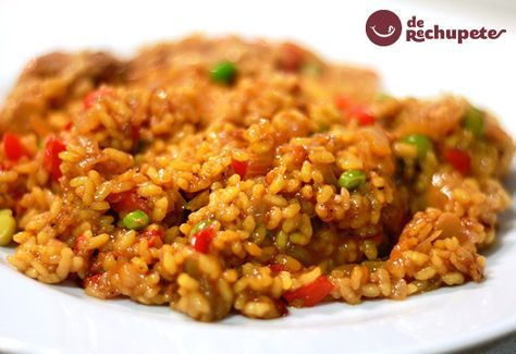 Una tradicional receta muy humilde, cocinada en nuestros hogares donde aprovechamos todas esas verduras que tenemos arrinconadas en nuestras neveras.