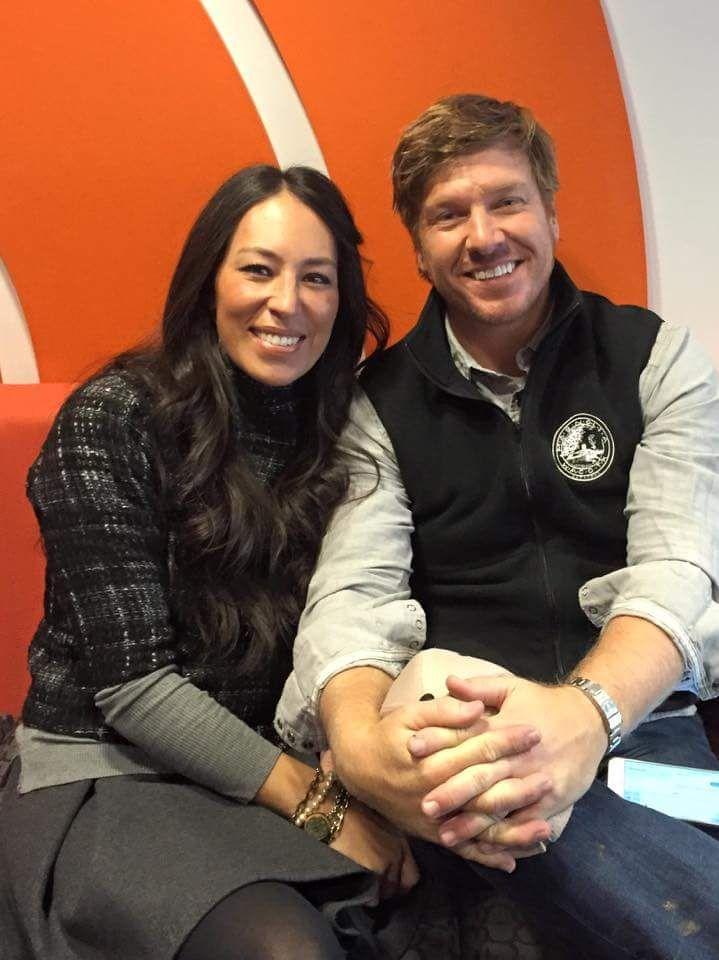 Joanna Gaines Tips For Decorating Living Rooms: 685 Best Images About Chip & Jo Jo On Pinterest