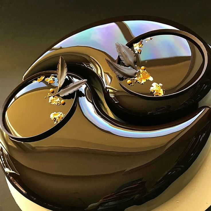 The Grand Dark Chocolate Yin Yang Entremet by @glanez_cake #pastrychef #patisserie #pastrylove #pastrylife #yummy #instagood #insta…