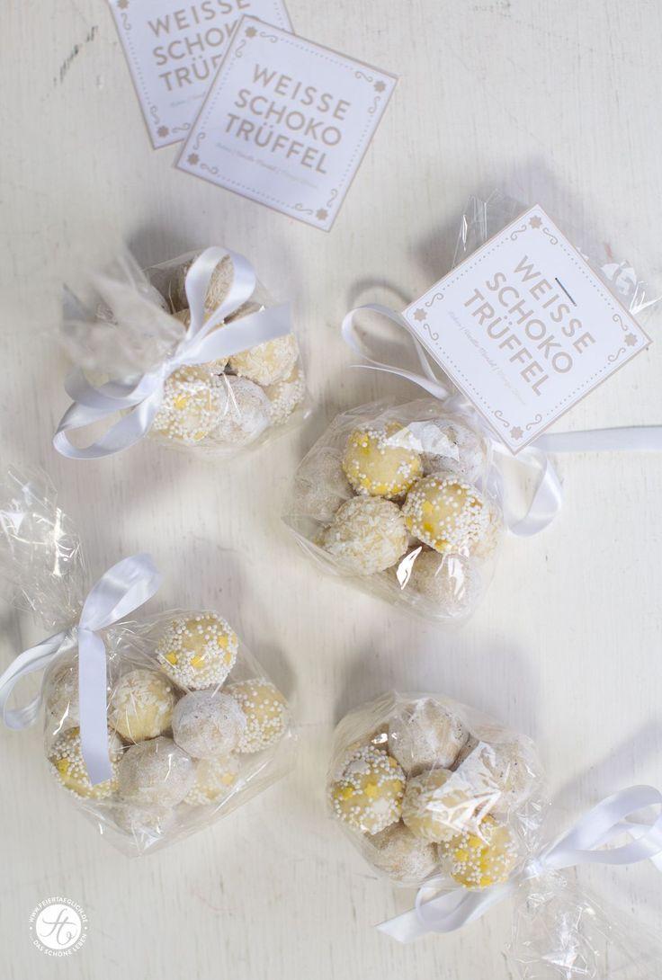 Kokos-Trüffel, Vanille-Mandel-Trüffel und Mango-Zitronen-Trüffel mit weisser Schokolade. 1 Rezept, 3 Varianten. Einfach & schnell gemacht