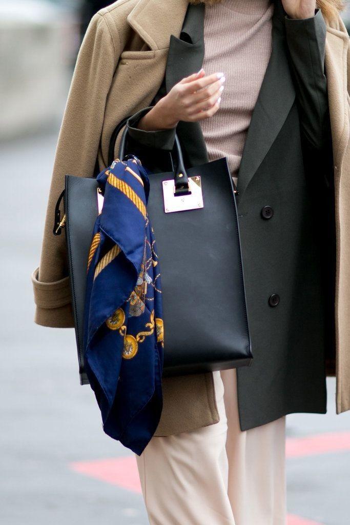 Pin by Mabel on DE MODA FASHION PAÑUELOS | Paris fashion week, Cool street fashion, Womens fashion casual chic
