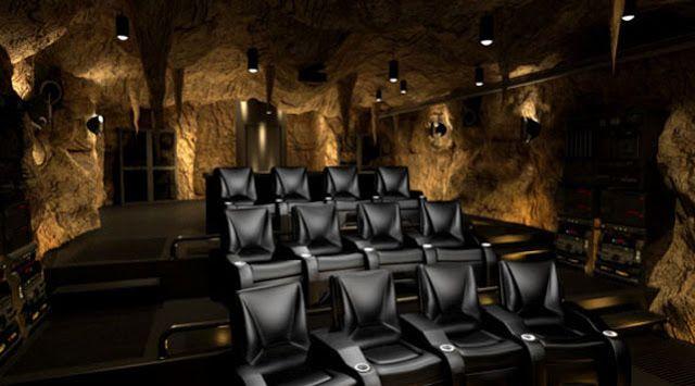 CIA☆こちら映画中央情報局です: 映画マニアが自分の夢にひたるため、贅沢の限りを尽くした砦のホームシアターの写真!! - 映画諜報部員のレアな映画情報・映画批評のブログです