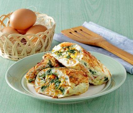 Omelet gulung putih telur, pilihan sarapan atau bekal sekolah untuk si kecil. Yuk lihat resepnya.