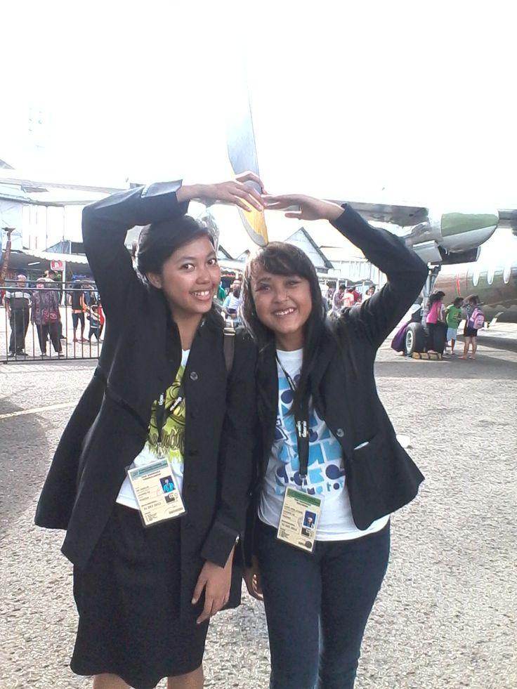 with Vina Pasasi Tiger Air :) foto di bawah sayap kapal :D