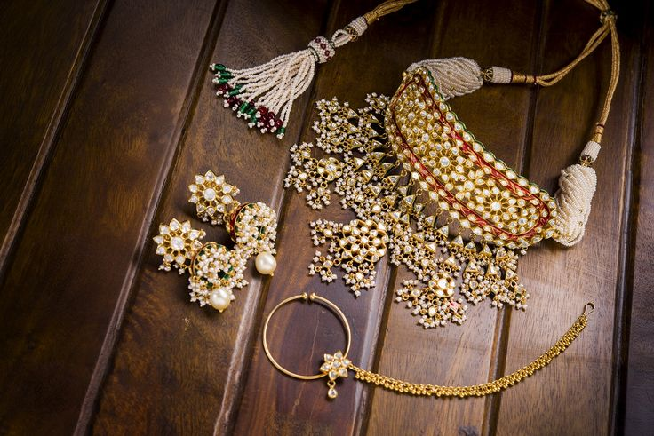 Project your ancestral royalty with #Royal Rajasthani #Jewellery from #ShreeNanditaJewels.