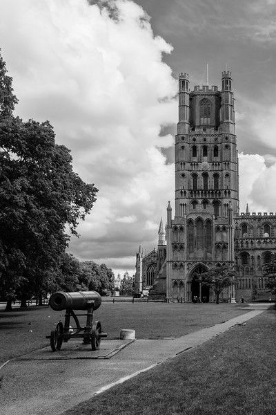 Portrait Ely city & cathedral monochrome architecture images