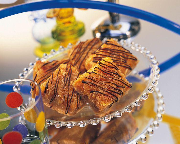 Carrés gourmands à l'ananas - Une des nombreuses recettes sur le site web de La Fédération des producteurs d'oeufs du Québec