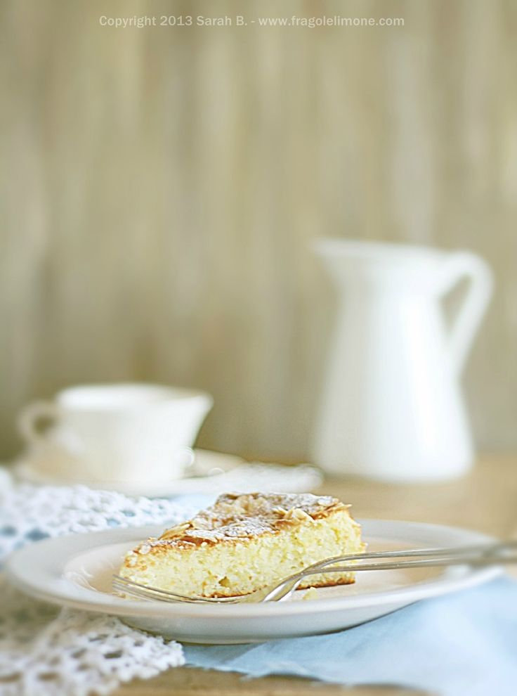 Flourless lemon, ricotta and almond cake